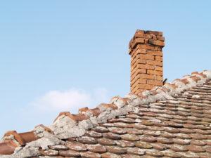 Vinteren kan være hård mod skorstenen